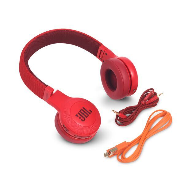 JBL E45BT - Red - Wireless on-ear headphones - Detailshot 4