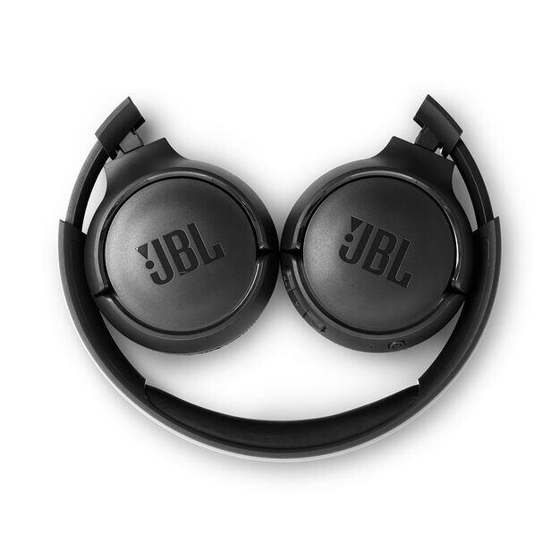 JBL TUNE 560BT - Black - Wireless on-ear headphones - Detailshot 2