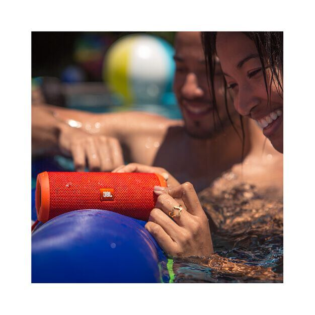 JBL Flip 3 - Pink - Splashproof portable Bluetooth speaker with powerful sound and speakerphone technology - Detailshot 6